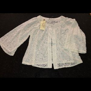 Solitaire Long Sleeve White Lace Top. Size Medium